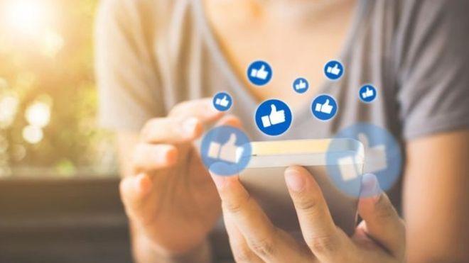فيسبوك يلمح لإخفاء عدد الإعجابات من المنشورات