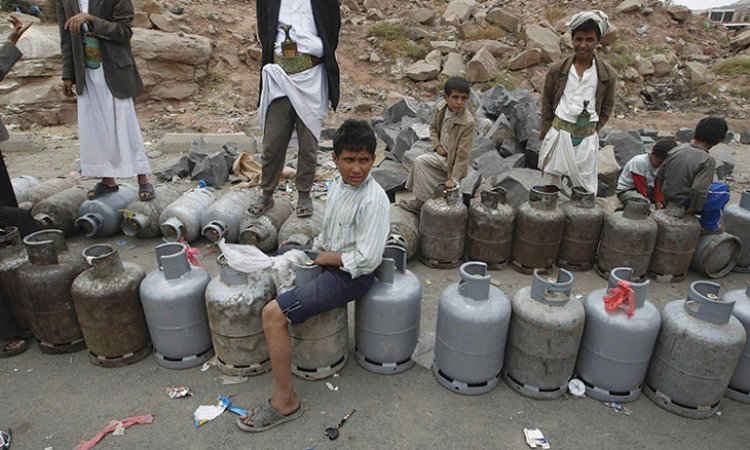 الشركة اليمنية للغاز تعلن عن حل مشكلة غرامات تأخير السفن ومباشرة البيع