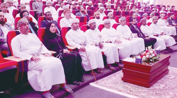 إشادة بتجربة التكنولوجيا المالية في سلطنة عمان