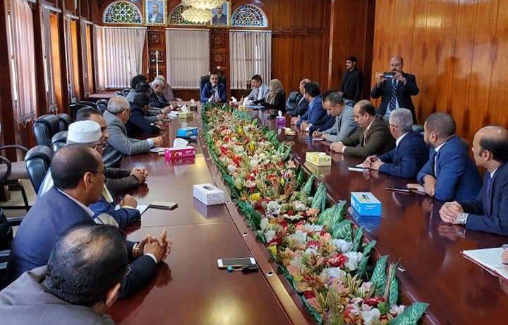 محافظ البنك المركزي بصنعاء يلتقي برؤساء مجالس الإدارات ومدراء عموم البنوك العاملة في اليمن